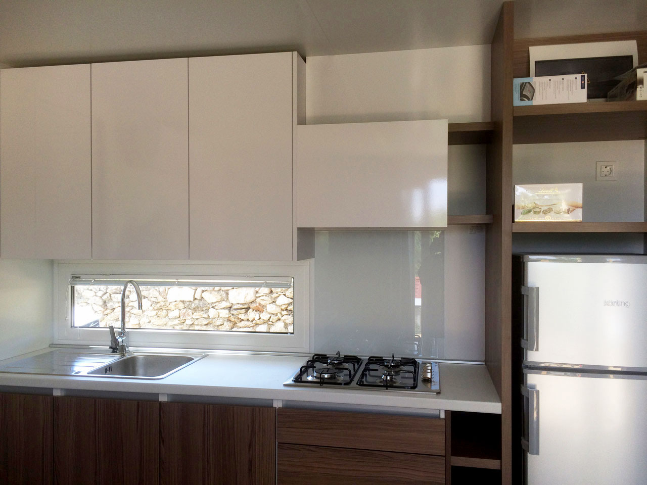 Image of the kitchen in KS Holiday Suite mobile house, Jezera, Murter, Dalmatia, Croatia