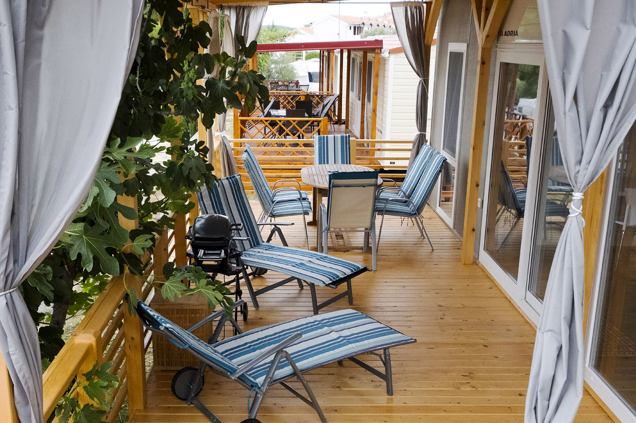 Image of terrace with barbecue in KS Holiday Suite mobile house, Jezera, Murter, Dalmatia, Croatia