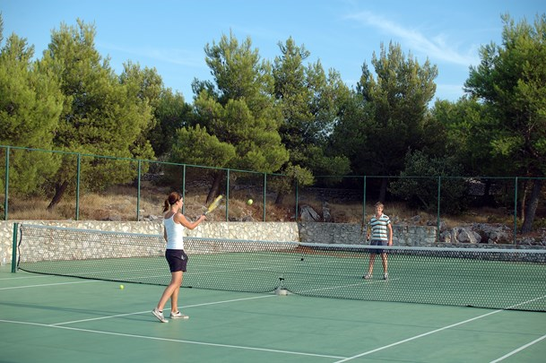 Inside the Jezera Village resort it is possible to play Tenis
